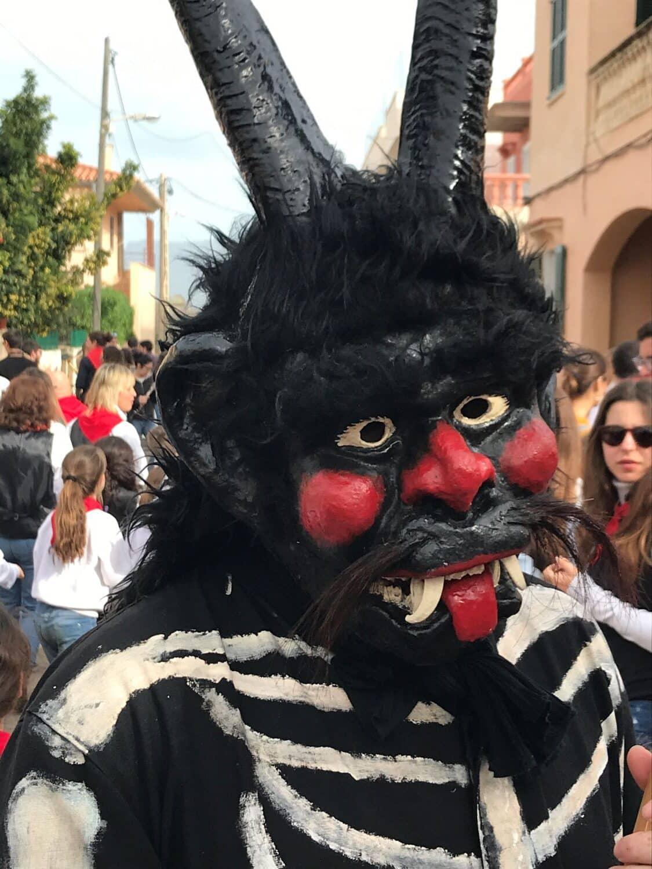 Dimonis (demons) in Sant Antoni, in January, at Colònia de Sant Pere